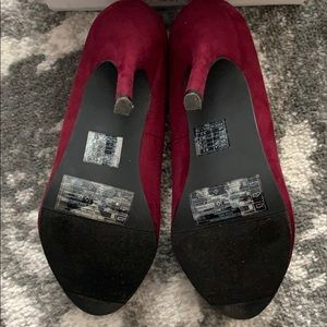 Forever 21 Shoes - Forever 21 Burgundy Wine Faux Suede Heels 8.5